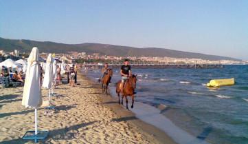 Пляж, Солнечный берег