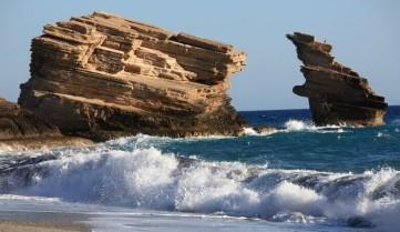 Скалистый берег острова Крит