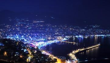 Вечерний город Аланья