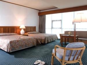 номер у готелі Ambassador Marina Tower Wing
