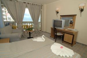 номер в готелі Andalusia
