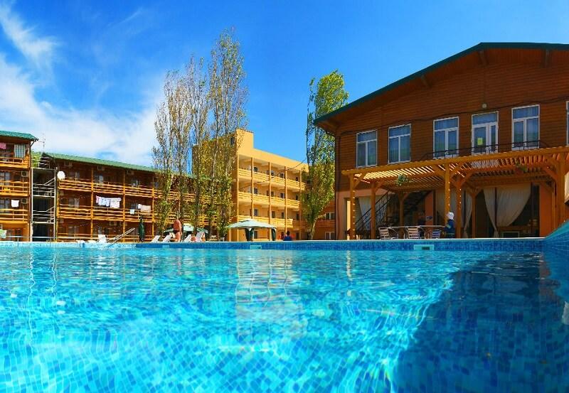 купання в басейні