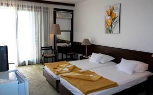 номер в готелі Albatros Hotel 2*, Ульцинь, Чорногорія