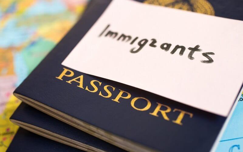 легально іммігрувати в США