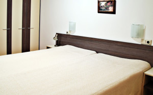 номер у готелі Mountain Paradise by the Walnut Trees 3*, Банско, Болгарія