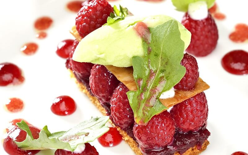 десерт у ресторані La Reserve Rimbaud