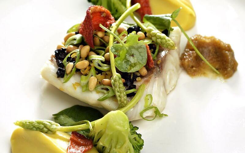 страва з риби в ресторані La Reserve Rimbaud