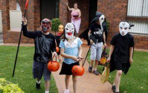 діти на Хеллоуїн