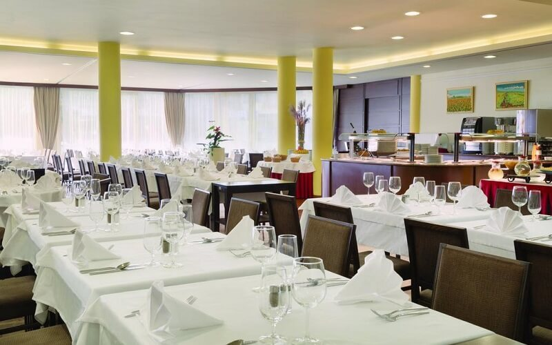 ресторан в Ramada Hotel, Краньска Гора, Словенія