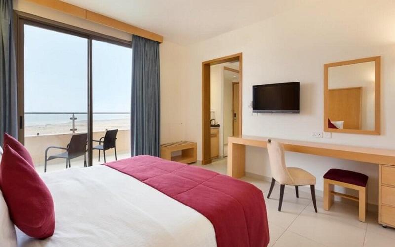 номер в Ramada Resort Dead Sea 4*, Мертве море, Йорданія