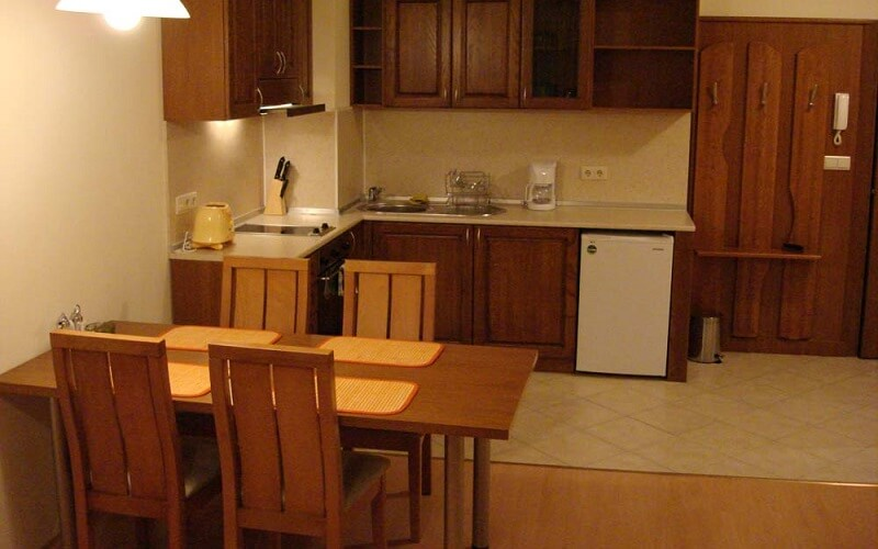 кухня в номері у Royal Plaza 3*, Болгарія, Боровець