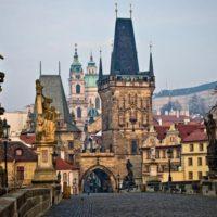 Туристов приглашают на ночные экскурсии по Малостранскому кладбищу Праги
