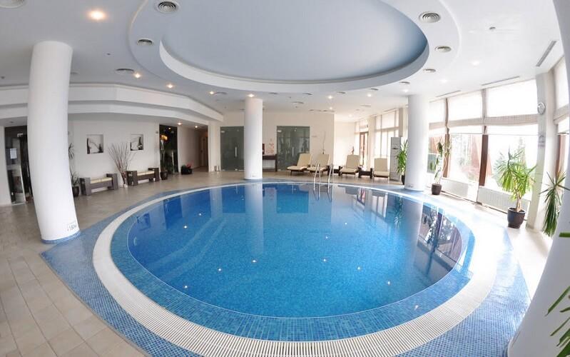 басейн в готелі Орловець 5*, Болгарія, Пампорово
