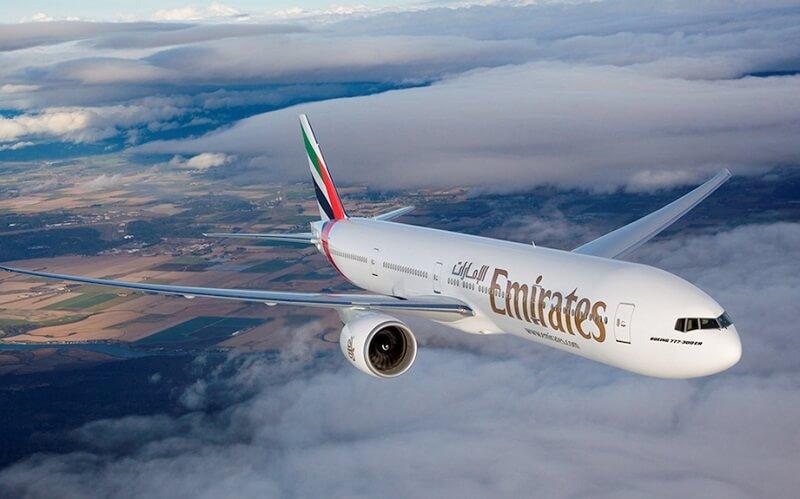 самолёт Emirates