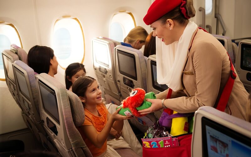 развлечения на борту Emirates