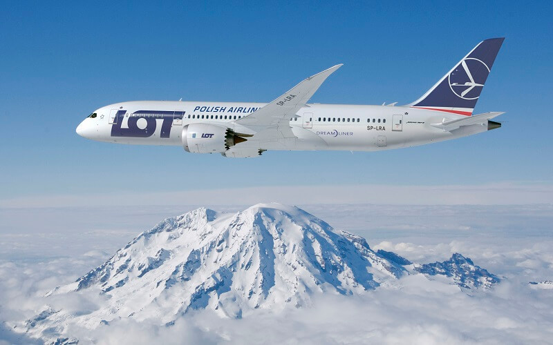 самолёт LOT Polish Airlines