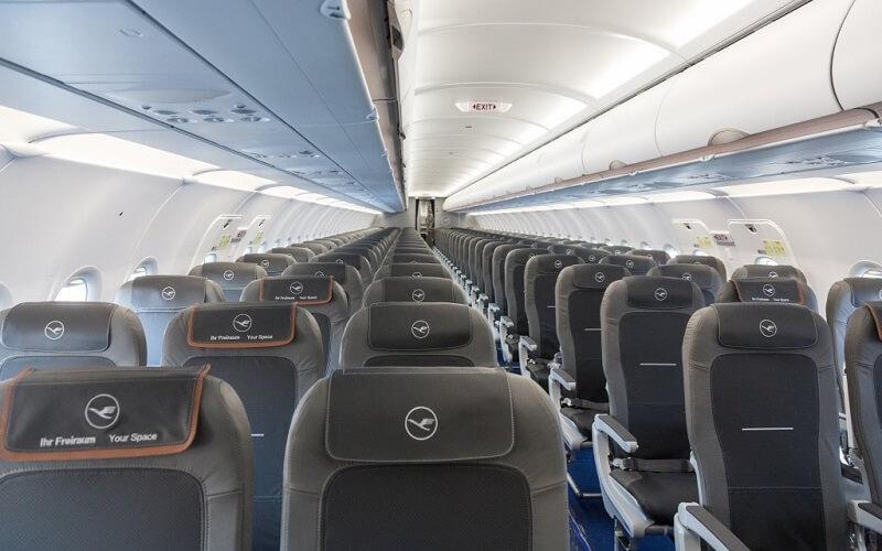 борт Lufthansa