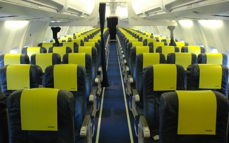 борт самолета Air Baltic