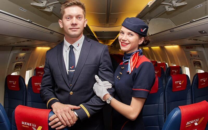 сотрудники авиакомпании Азур Эйр Украина