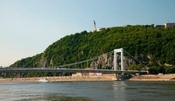 Гора Геллерт, Венгрия