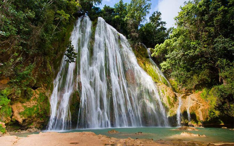 Доминиканская республика, водопад Эль-Лимон
