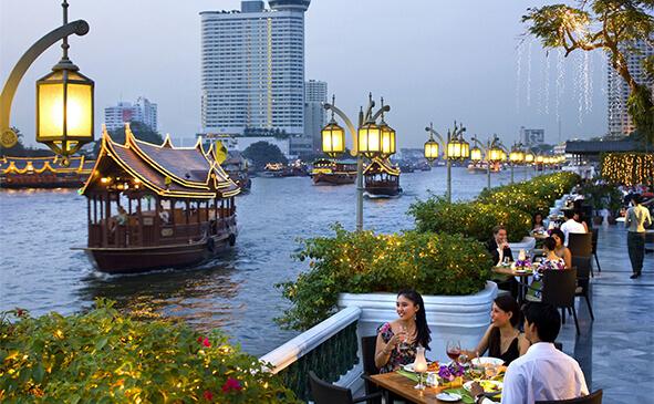 В місті, Таїланд