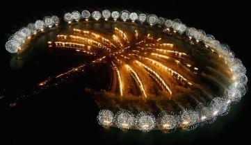 Ночной салют на Пальме Джумейры