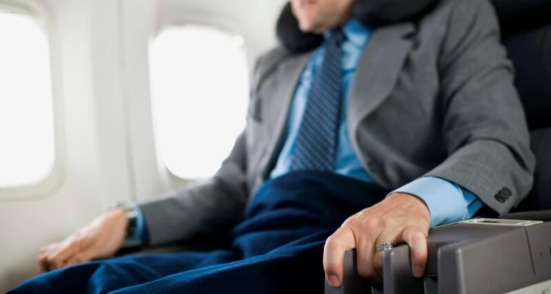 Как побороть страх перед полетом на самолете?
