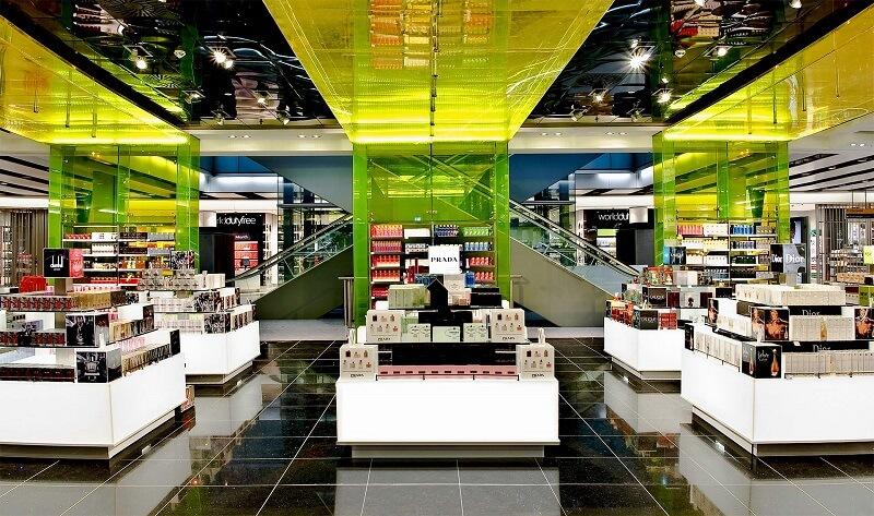 магазин беспошлинных товаров в аэропорту