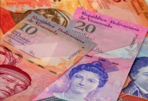 банкноты в Венесуэле
