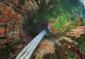 водопады в Венесуэле