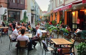 оживленные улицы Тбилиси