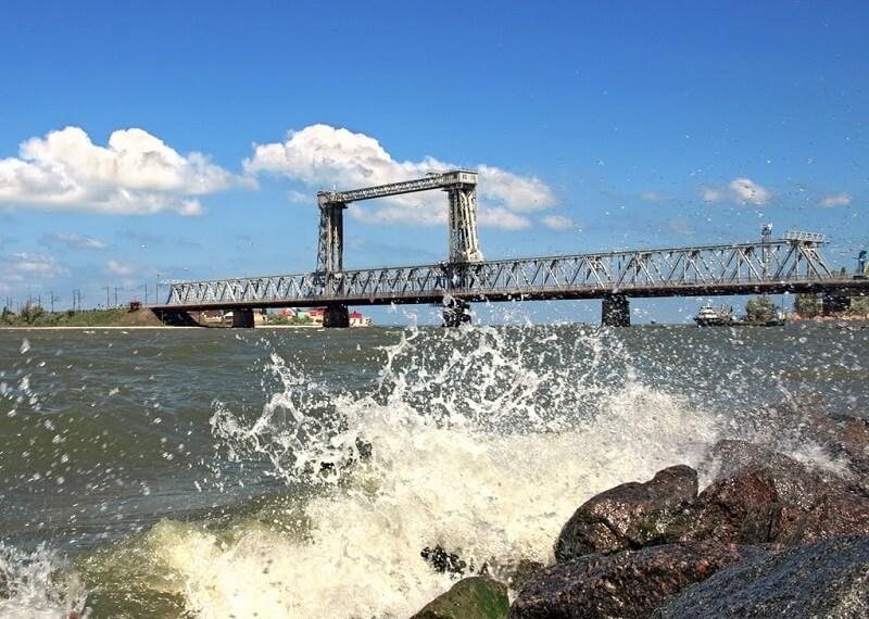 железнодорожный мост в Затоке