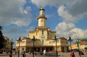 Авиабилеты в Ивано-Франковск