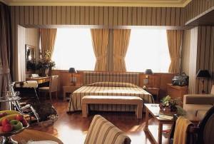В номері готелю Makedonia Palace 5*, Салоніки, Греція