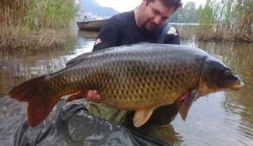 Рибальський туризм… в Італії: на озері Лаго-ді-Пузиано почався небувалий кльов!