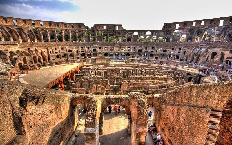 внутри Римского Колизея