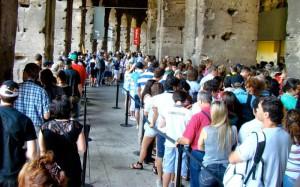 очереди туристов в Колизей