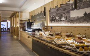 ресторан в отеле Garni lastei 3*, Поцца ди Фасса, Италия