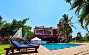 бассейн в отеле La Vaiencia Beach Resort 2*, Северный Гоа, Индия