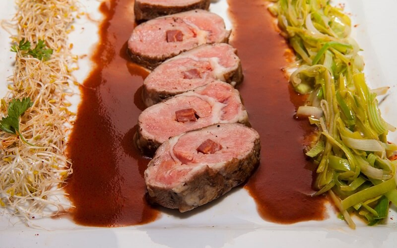 блюдо в ресторане Парижа