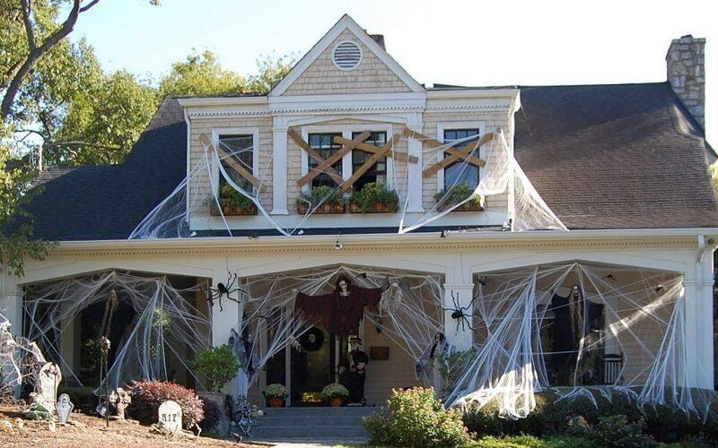 украшенный дом на хэллоуин