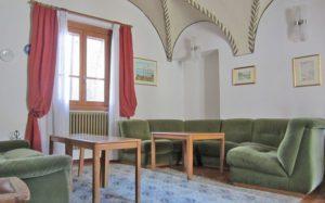гостиная в отеле Gufo 3*, Бормио, Италия