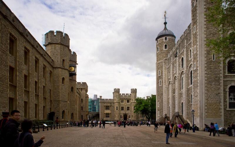 лондонский Тауэр внутри