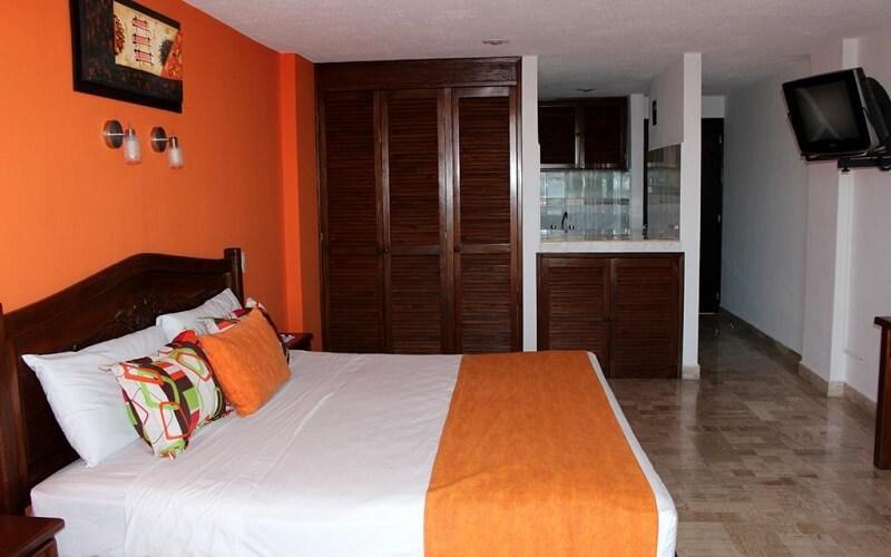номер в отеле Calypso 3*, Канкун, Мексика