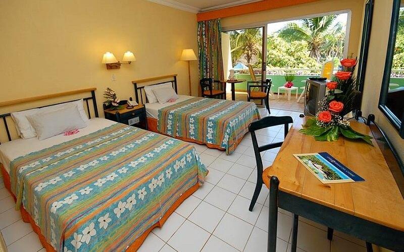 номер в отеле Brisas Del Caribe 4*, Варадеро, Куба