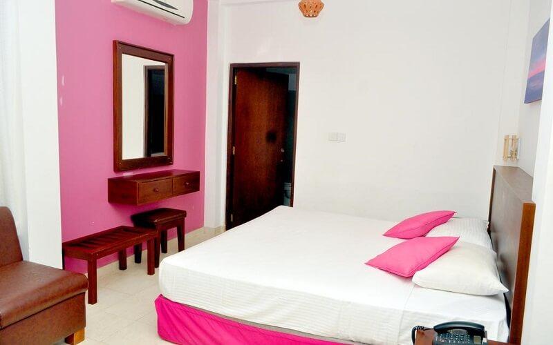 номер в отеле Lavendish Beach Resort 3*, Унаватуна, Шри-Ланка