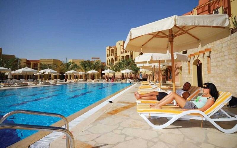 бассейн в Marina Plaza Hotel 4*, Акаба, Иордания