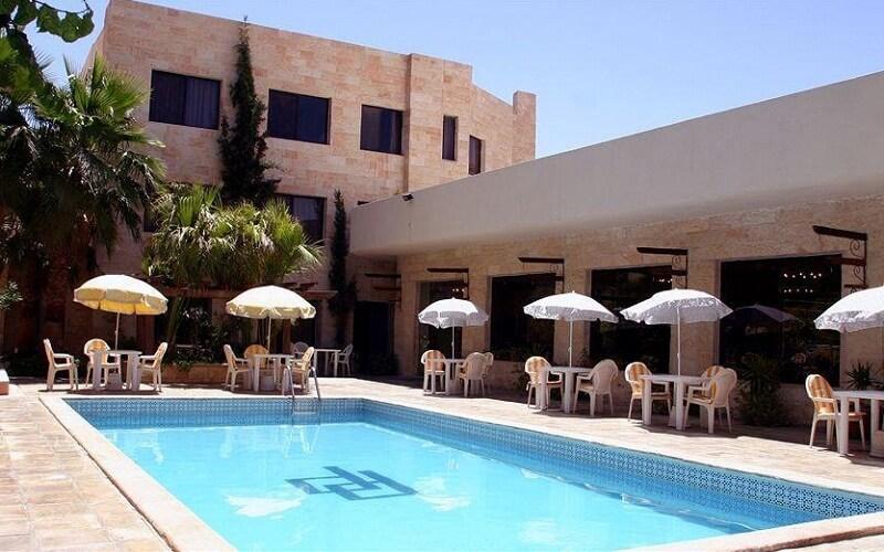 бассейн в Petra Palace Hotel 3*, Петра, Иордания