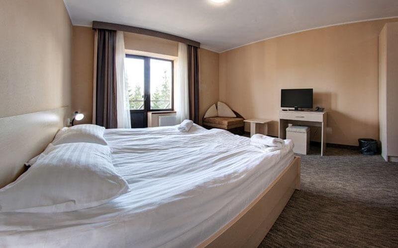 номер в отеле SkilandHouse 3*, Буковель (Поляница), Украина